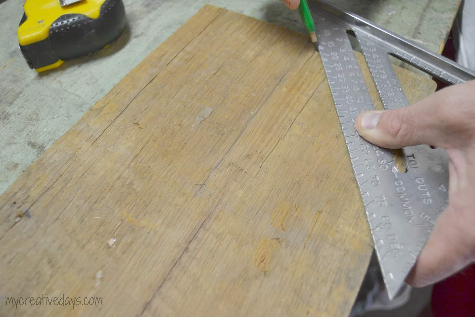 Metal Wrapped Barn Wood Arrow mycreativedays.com