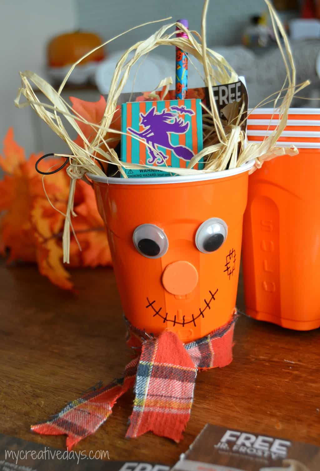 Halloween Scarecrow Treat Cups {No Candy Involved}