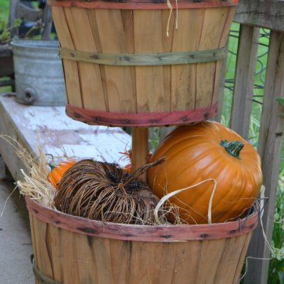 DIY Tiered Bushel Baskets For Your Fall Porch