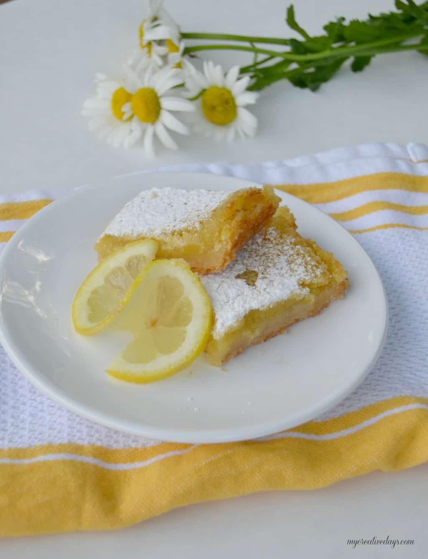 Easy Lemon Bar Recipe mycreativedays.com