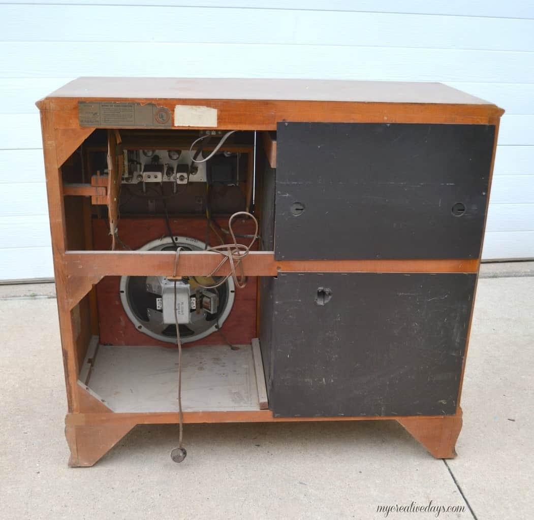 Vintage Radio Cabinets 8