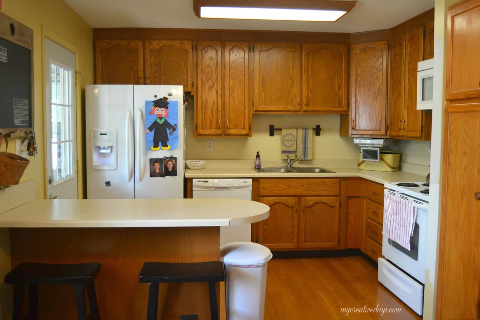kitchen makeover painting the cabinets cleaning kitchen cabinets Pin this Kitchen Makeover Painting The Cabinets mycreativedays com