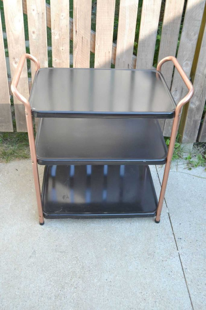 Do you have an old metal cart sitting in the garage? Check out this DIY Metal Cart Makeover to see all of the potential your old metal cart has!