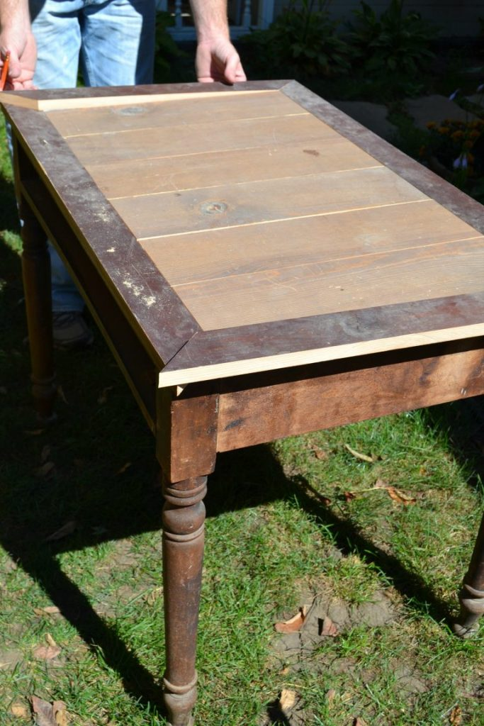 If you are looking for a desk for your home, this easy DIY desk was made over with an old map. Click over to find the tutorial!