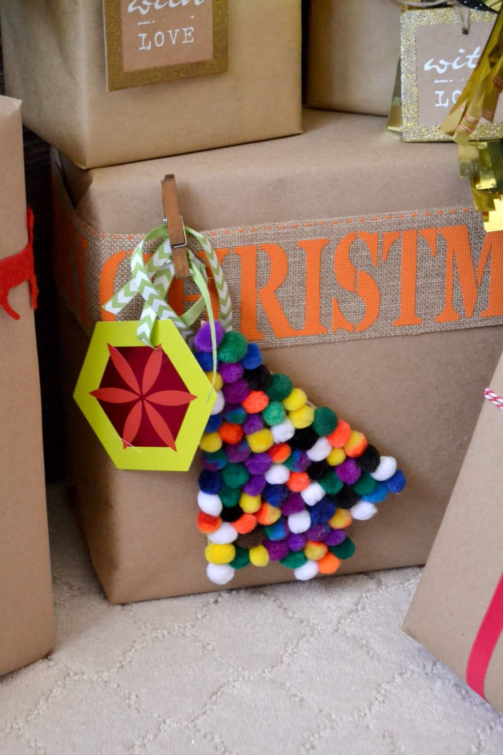 Funny Christmas Gift Wrapping Ideas - older and wisor: Creative ...