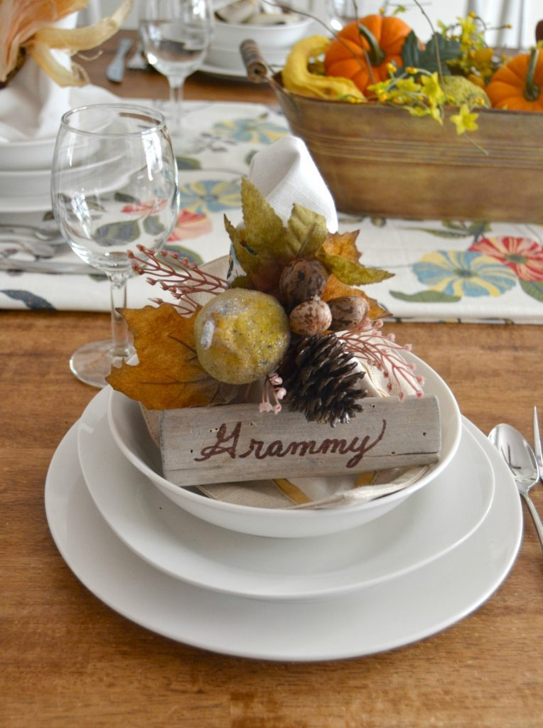 If you are looking to set a pretty Thanksgiving Tablescape this year, click over to see this easy nature inspired Thanksgiving Tablescape.
