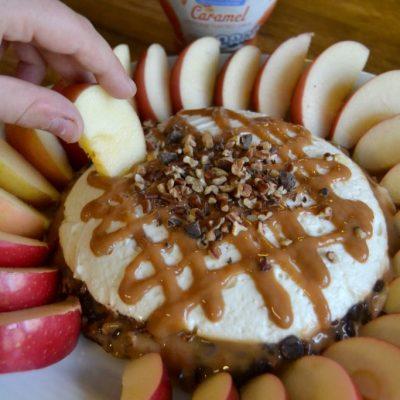 Caramel Pecan Cheesecake Dip