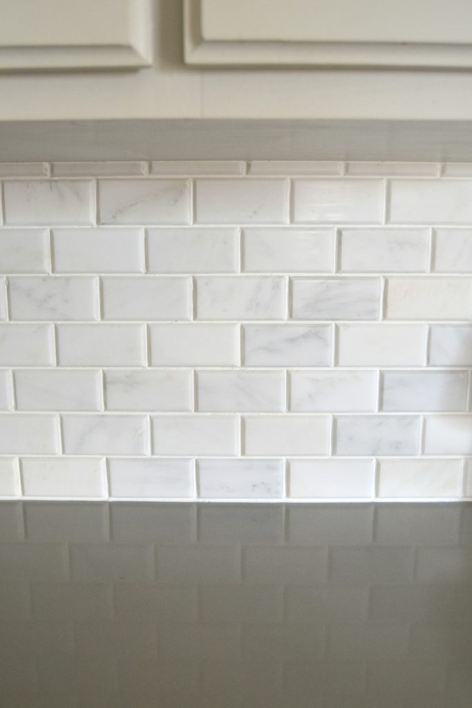 Are you looking to make some updates to your kitchen? Check out this Kitchen Makeover: DIY Stone Tile Backplash for some tips and ideas from My Creative Days.