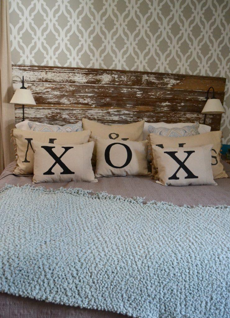 Diy Painted Throw Pillows : DIY Throw Pillows For $2 - My Creative Days