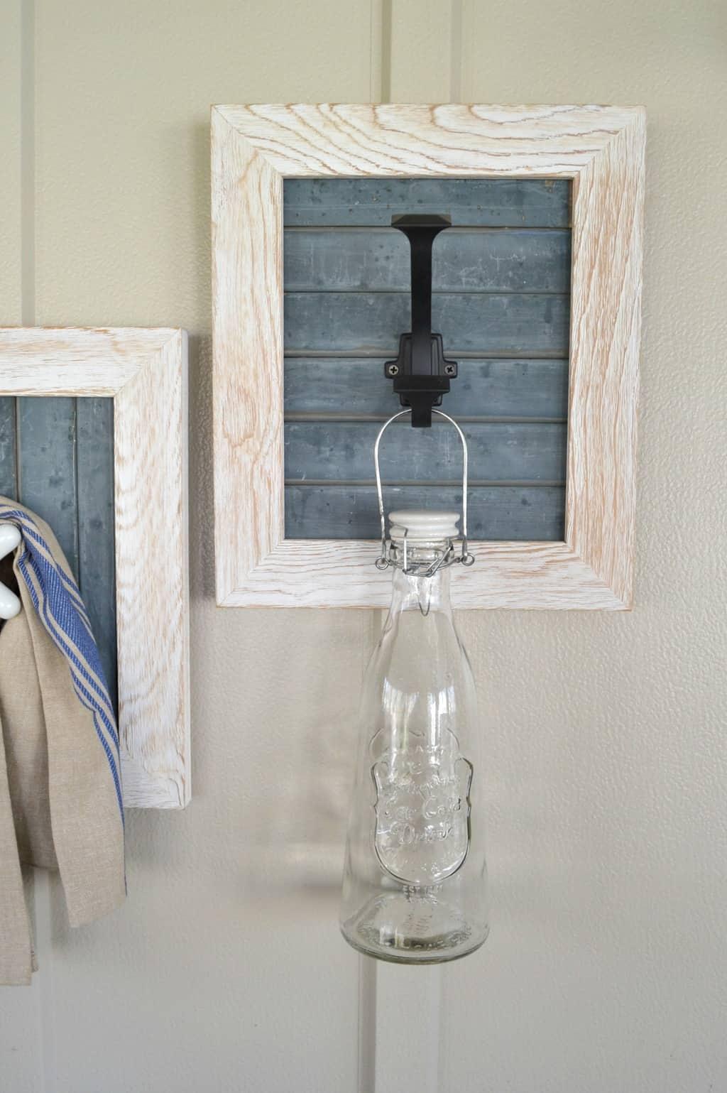 DIY Farmhouse Bathroom Hooks