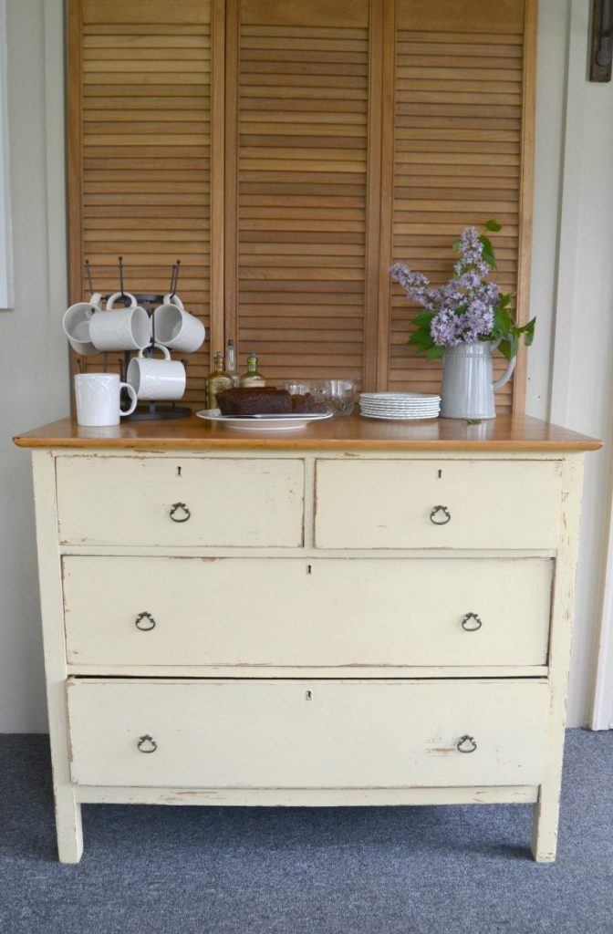 A wood dresser can have so many different uses for multiple rooms in your home. Clock over and find 5 ways to use a wood dresser to add to your home's decor.