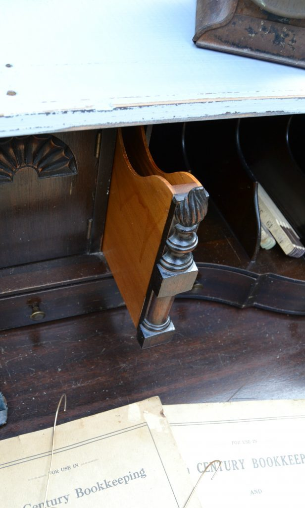 If you have a vintage desk in need of a makeover, click over to see how easy it is to get a new look with a little paint and some elbow grease.
