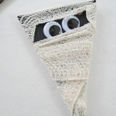 Halloween Crafts: Easy Mummy Banner