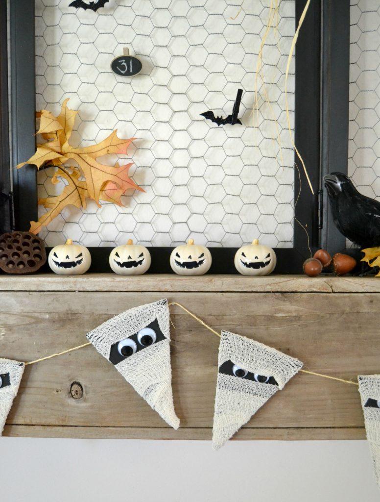 Simple Halloween Crafts: Mummy Garland