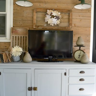 Reclaimed Wood Wall For FREE!