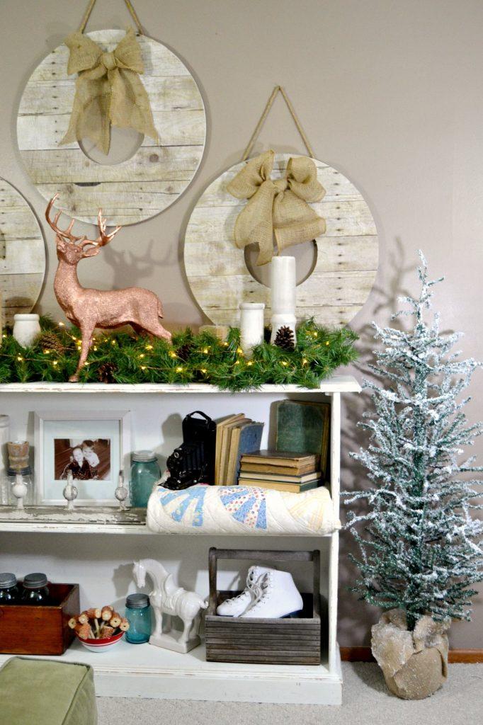 DIY Faux Reclaimed Wood Wreaths