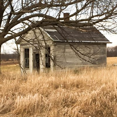 Old Farmhouse Inspiration In An Unexpected Way