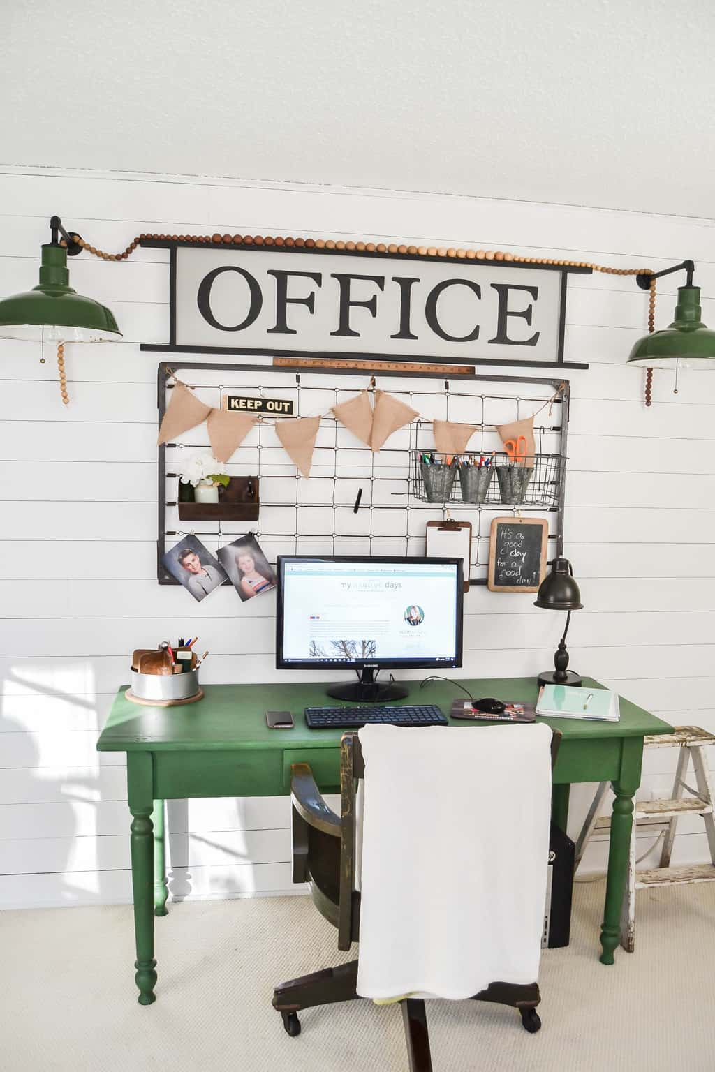 how to show 2 offices in facebook businesspage