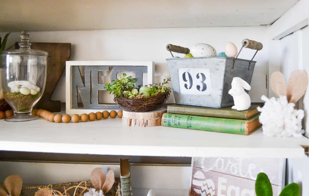 Spring Home Decor - Looking for easy ways to welcome spring in your home's decor? Check out this Spring Home Decor from My Creative Days.