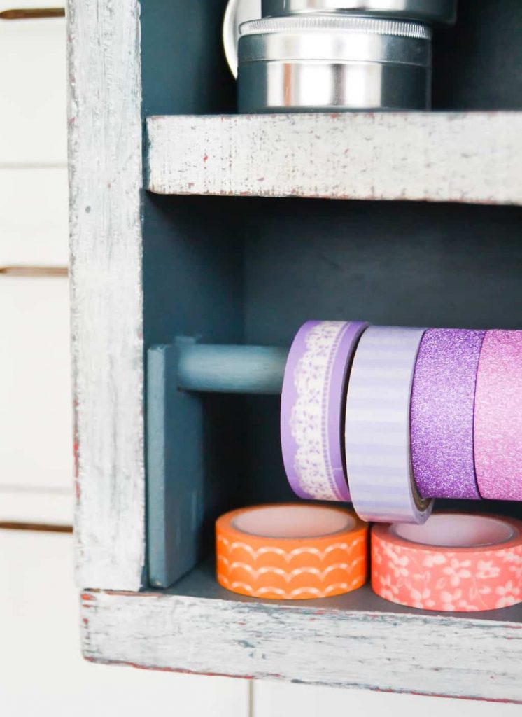 Wood Vintage Toolbox Turned Craft Storage - Looking for creative ways to organize your craft supplies? This Vintage Toolbox Turned Craft Storage is creative, functional and pretty!