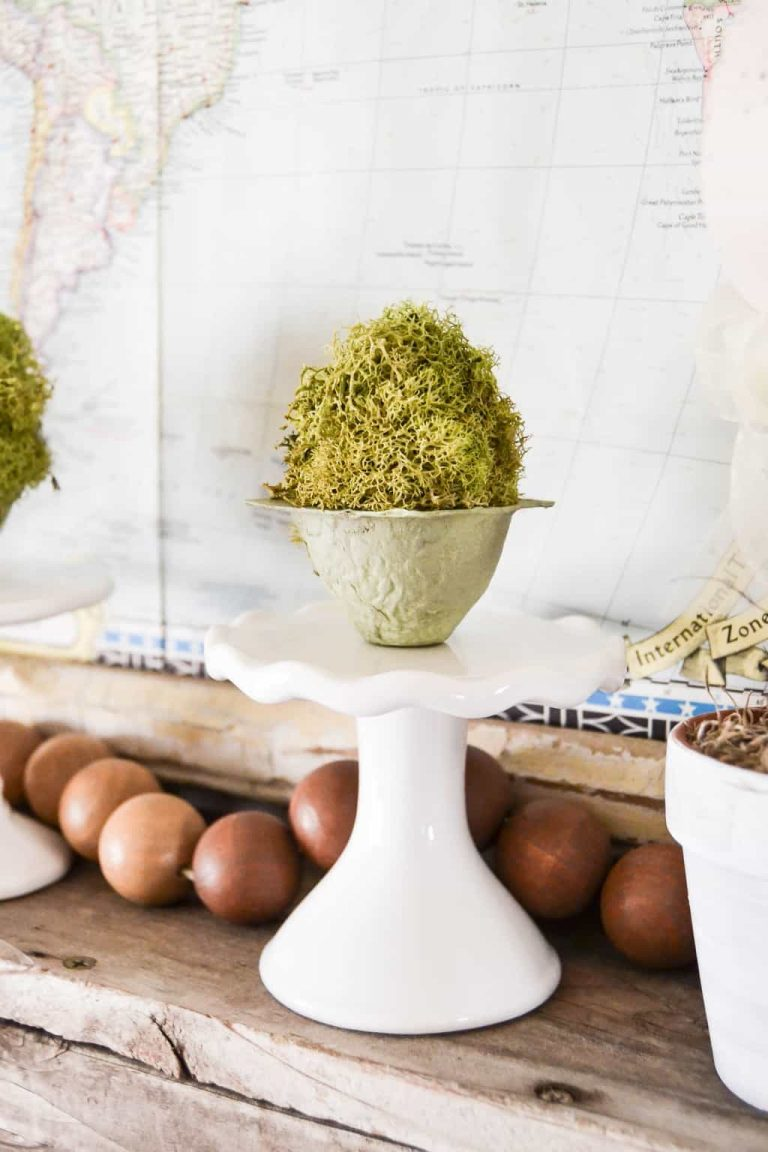 DIY Mossy Spring Easter Eggs