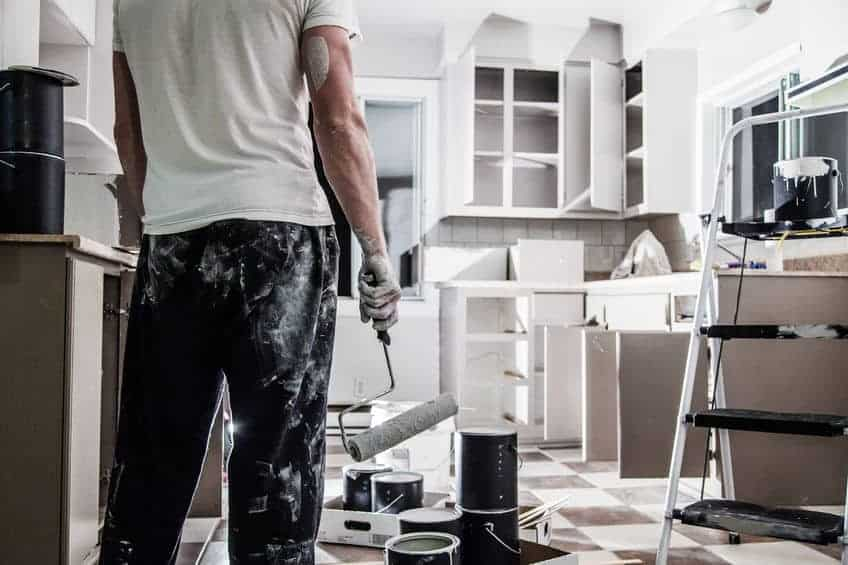 10 Tips For House Flipping - Want to start house flipping? Read these 10 Tips For House Flipping that will make the flipping process much easier.