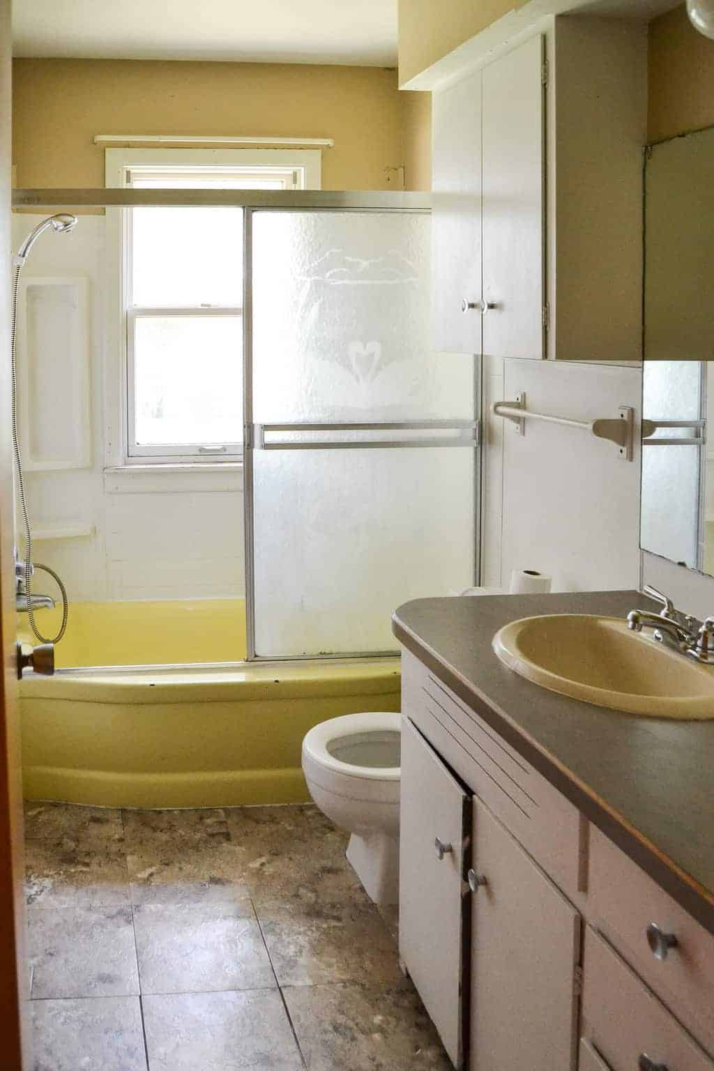 How To Paint A Bathtub Easily Amp Inexpensively My