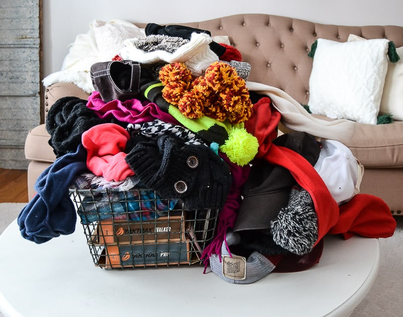 This is The Best Way To Organize Hats, Gloves and Scarves This Winter!