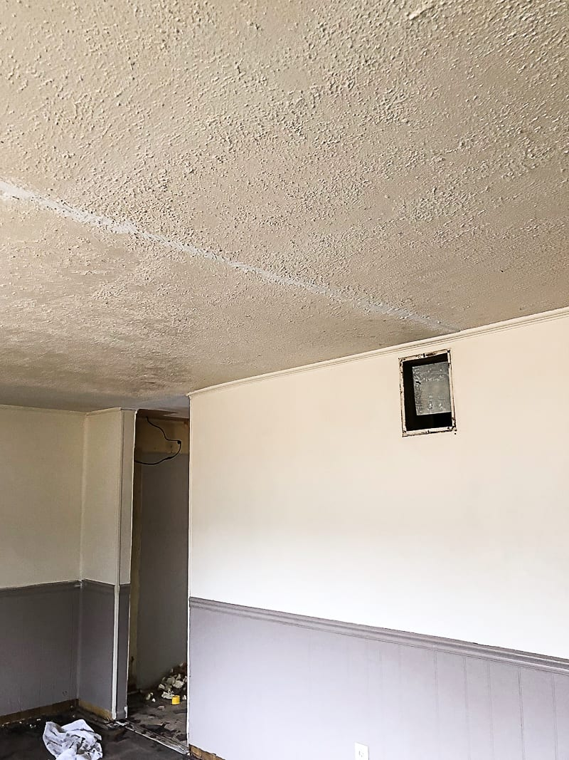 Pin This If You Are Looking For The Best Way To Clean Smoke Stained Ceilings Before Paint