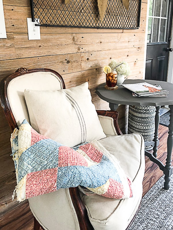 If you are searching for a round end table for your home, click over and see how easy it is to transform a thrift store table into the perfect round end table for your space.