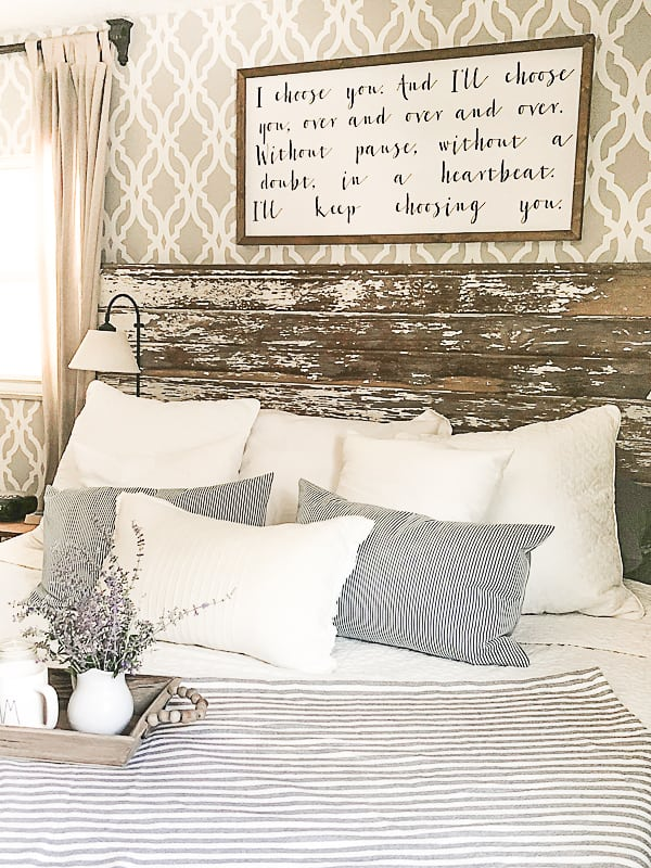 If you want to change your bedroom, but don't want to spend a lot of money, click over to see how to get a mini budget bedroom makeover that refreshes it to make it feel brand new.