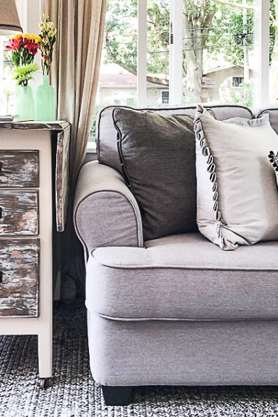 If you are looking for a rustic end table for your space, click over to see how easy it is to create one from a piece found at a yard sale!