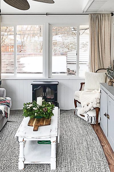If you are looking for cheap Christmas decorations, click over and see how I decorated our back porch without spending a lot of money!