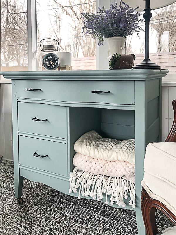 This is an easy 3 drawer dresser makeover with paint, new hardware and some cleaning. It was an easy makeover, but made this piece brand new.