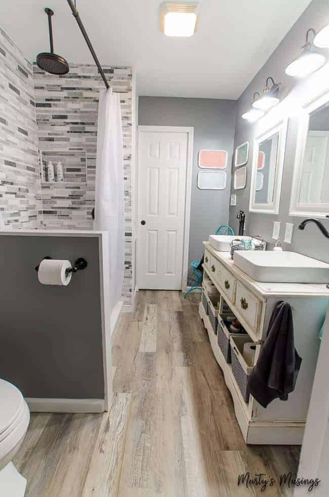small farmhouse bathroom makeover