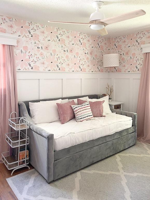 Teen Girl's Bedroom Makeover - My