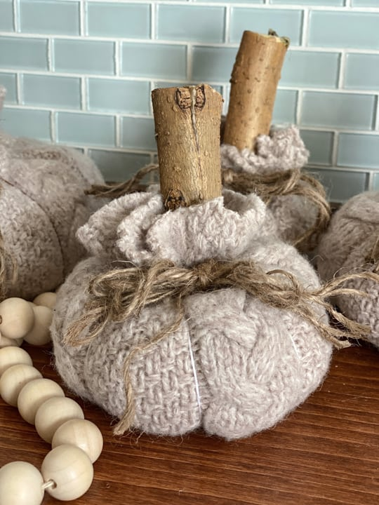 These DIY no-sew sweater pumpkins are so cute and easy to make for anyone who doesn't have any sewing skills.