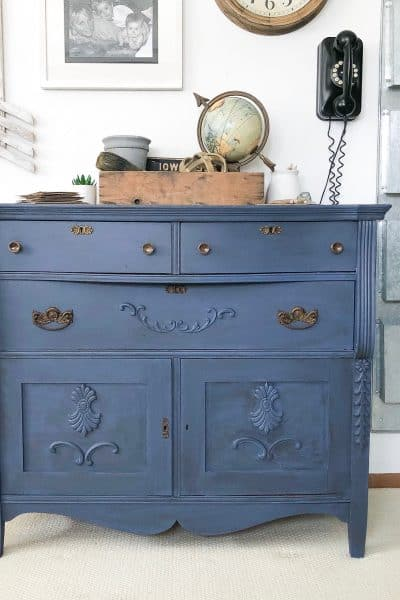 What is the best topcoat for painted furniture? Here are the best options to give you optimal durability on all your painted projects.