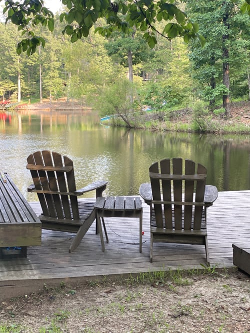 This family-friendly lakefront cabin in Missouri is a GlampingHub getaway that has the luxuries of a resort while being surrounded by nature.
